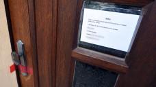 Behördlich geschlossen: Die Praxisräume des Heilpraktikers Klaus R. in Brüggen-Bracht sind schon seit einem Jahr geschlossen, nun darf er auch im Nachbarkreis nicht mehr arbeiten. (Foto: dpa)