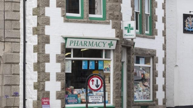 UK: Der Gesundheitsdienst NHS schickt die Briten bei Husten, Hals- und Bauchschmerzen zuerst in die Apotheke. (Foto: Imago)