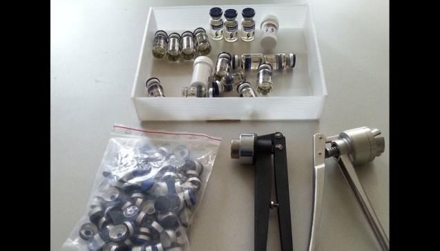 Die Ausrüstung, mit der illegale Medikamente und Steroide in dem unterirdischen Labor in Österreich hergestellt wurden.