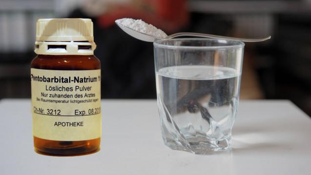 In der Schweiz gibt es weiterhin Diskussionen darum, ob sich Angehörige von Menschen, die Arzneimittel zum Sterben einnehmen, die Präparate aus der Apotheke abholen dürfen. (Foto: Imago)