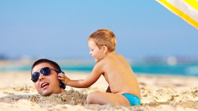 Wer im Urlaub nicht abschalten kann, erholt sich nicht richtig. (Foto: Olesia Bilkei/Fotolia)