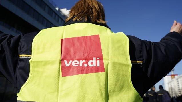 Die Gewerkschaft Verdi beschwert sich schon länger über die Arbeitsbedingungen im Großhandel, jetzt warnt sie vor dem Zusammenschluss von Gehe und Alliance. (m / Foto: imago images / STPP)