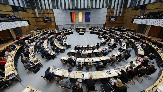 Im Berliner Abgeordnetenhaus wird derzeit über einen FDP-Antrag diskutiert, der eine Impfpflicht vorsieht. (c / Foto: imago)