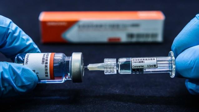 """Die chinesische Regierung will mit Corona-Impfstoffen offenbar nicht nur die eigene Bevölkerung schützen, sondern betrachtet diese auch als """"politische Währung"""" für seine wirtschaftlichen Expansionsbestrebungen. (c / Foto: imago images / Fotoarena)"""