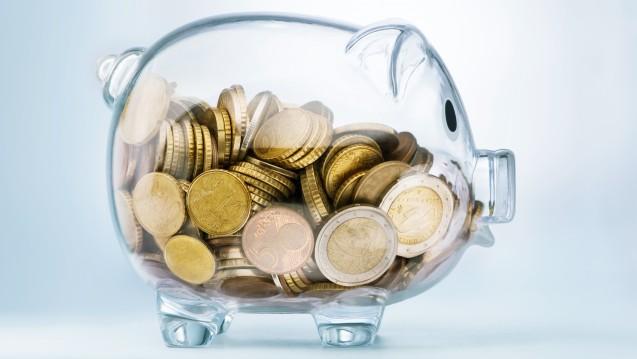 Die Kassen sammeln weiterhin Finanzreserven an. (Foto: pgonici / Fotolia)