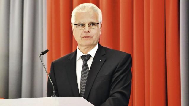 Die Bayerische Landesapothekerkammer, hier Präsident Thomas Benkert, protestiert gegen Teile des Spahn-Paketes. (s / Foto: BLAK)