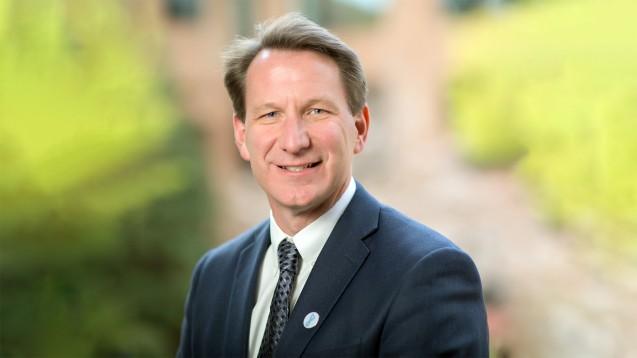 Ned Sharpless, der derzeitige Direktor des National Cancer Institute (NCI), soll neuer Chef der US-Arzneimittelbehörde FDA werden. ( r / Foto: National Institutes of Health)