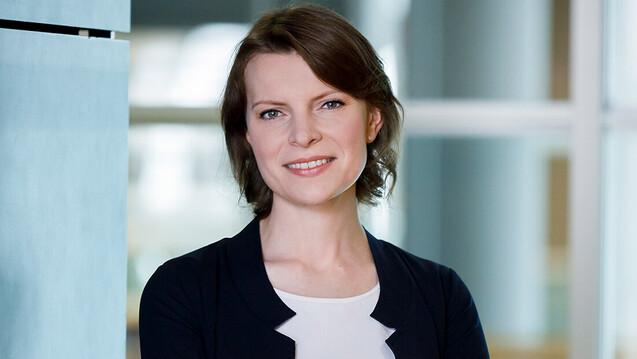 Die CSU-Bundestagsabgeordnete Emmi Zeulner will sich weiterhin für gleich lange Spieße zwischen Versand- und Vor-Ort-Apotheken einsetzen. (c / Foto: Tobias Koch)