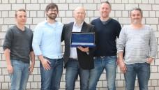 Plattform für die Apotheke: Das Team von Pharmastoc um Chef-Softwareentwickler Sebastian Albers (2.v.l.). Sprecher Andre Amberge ist der Mann mit dem Laptop in der Hand. (Foto: DAZ.online)