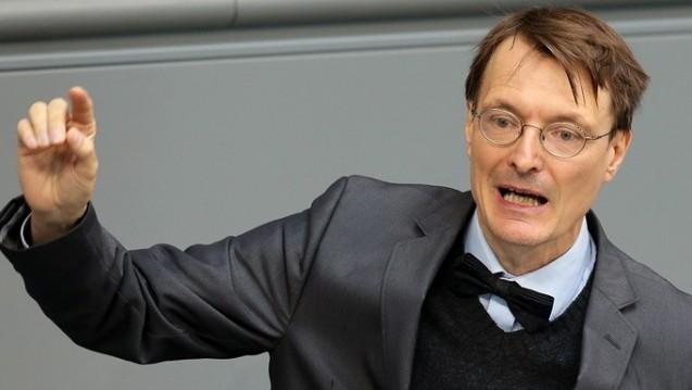 Karl Lauterbach sieht die Gefahren für kleine Apotheken durch das EuGH-Urteil. (Foto: dpa)