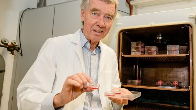 Hanns Hatt fand mit seinem Team bereits viele wichtige Riechrezeptoren. (Foto: RUB, Marquard)