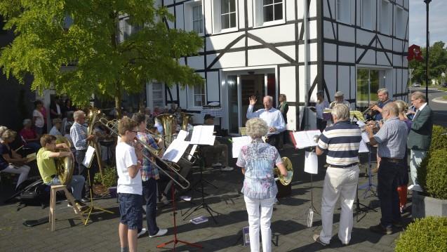 Im nordrhein-westfälischen Osenau feierte die evangelische Gemeinde in der vergangenen Woche einen Gottesdienst. (Foto: Luhr)
