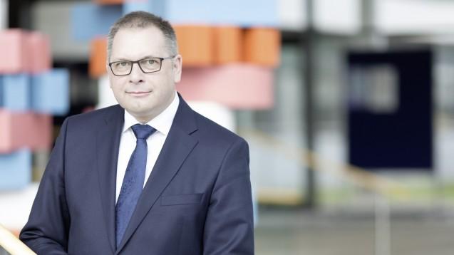 """Karl Broich, Präsident des Bundesinstituts für Arzneimittel und Medizinprodukte: """"Es ist erforderlich, dass sich Unternehmer dazu verpflichten, Lieferengpässe zu melden."""" (Foto: BfArM)"""