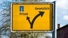 Mehrere Bundesländer prüfen derzeit, wie PKV-Versicherte leichter Zugang zur GKV erhalten können. (Foto:ThomasReimer/stock.adobe.com)