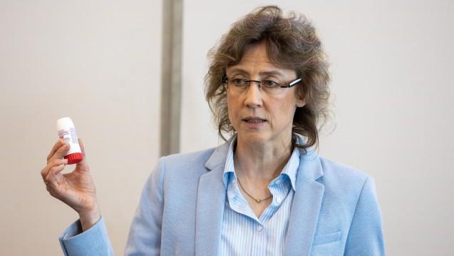 Apothekerin Christiane Weber erklärte auf der Interpharm alles Wichtige, was es zu Inhalatoren zu wissen gibt. ( r / Foto: Schelbert)