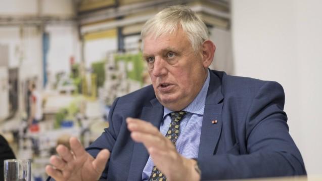 Einpruch aus NRW: Das NRW-Sozialministerium von CDU-Minister Karl-Josef Laumann stellt klar, dass man zusätzlich zum Rx-Boni-Verbot im SGB V ein Rx-Versandverbot bräuchte. (Foto: imago images / Sondermann)