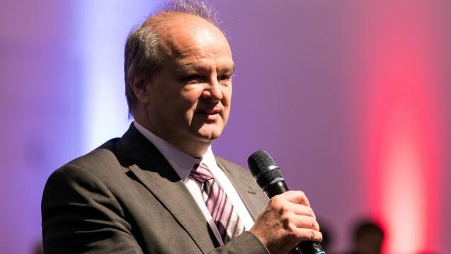 Peter Froese, Chef des Apothekerverbandes Schleswig-Holstein, berichtet über seine Erfahrungen mit der Jamaika-Koalition und erklärt, was auf die Apotheker zukommen könnte. (Foto: tmb)