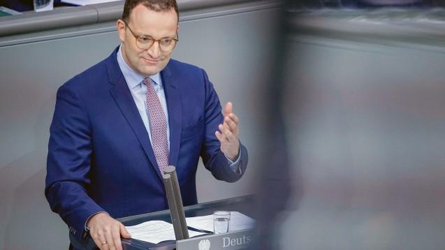 Bundesgesundheitsminister Jens Spahn komplettiert sein Reform-Puzzle. (m / Foto: imago images / Political-Moments)