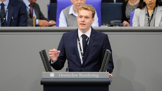 Der 19-jährige Pharmaziestudent und CDU-Mitglied Benedikt Bühler will es nicht auf sich sitzen lassen, dass sich die CDU vom Rx-Versandverbot trennt. ( j / Foto: Deutscher Bundestag)