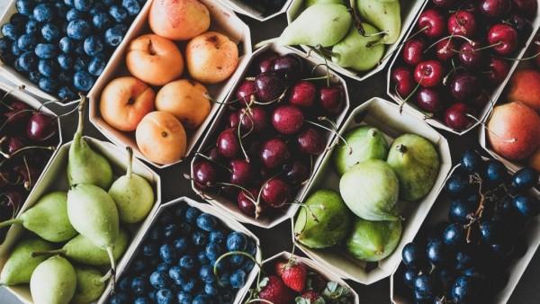 Warum Obst essen gesünder ist als Smoothies trinken