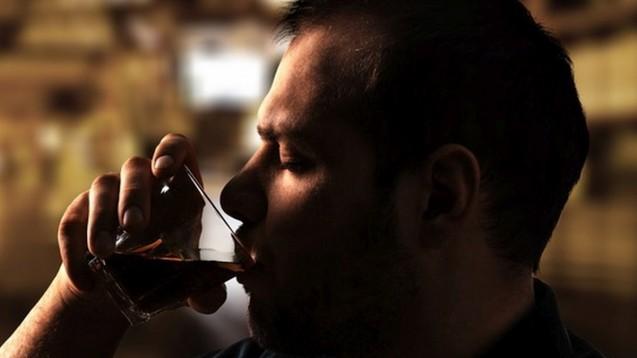 Anstieg: Bei Männern in den unteren sozialen Schichten gab es eine deutliche Zunahme der alkoholbedingten Todesfälle. (BillionPhotos - Fotolia)
