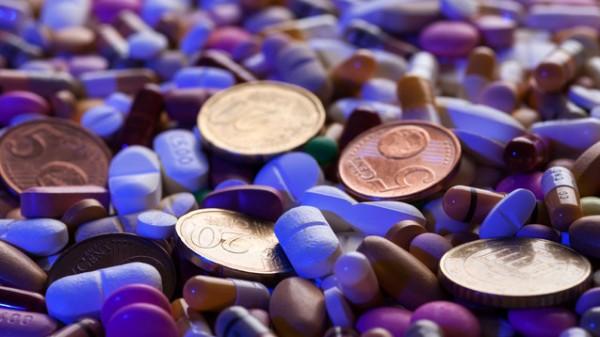 OTC-Umsatz sinkt, AMNOG-Einsparungen steigen