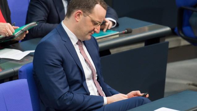 Der vorläufige Zeitplan steht: Die Apothekenreform von Bundesgesundheitsminister Jens Spahn (CDU) soll im November dieses Jahres im Bundestag beschlossen werden. (s / Foto: imago images / Eibner)