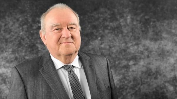 Fritz Becker wird Ehrenpräsident