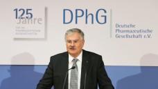 """Die DPhG lehnt das EuGH-Urteil ab. Präsident Laufer hat gemeinsam mit der Fachgruppe """"Klinische Pharmazie"""" eine Stellungnahme verfasst. (Foto: diz / daz)"""