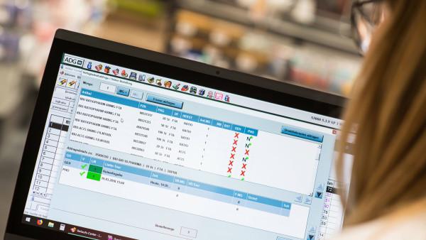 AOK: Meldepflicht für Apotheker statt Mehrfach-Verträge