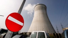Das Atomkraftwerk Tihange in Belgien: Bei einer Panne wäre radioaktive Strahlung binnen Stunden in Aachen. (Foto: dpa/ Brono Fahy)