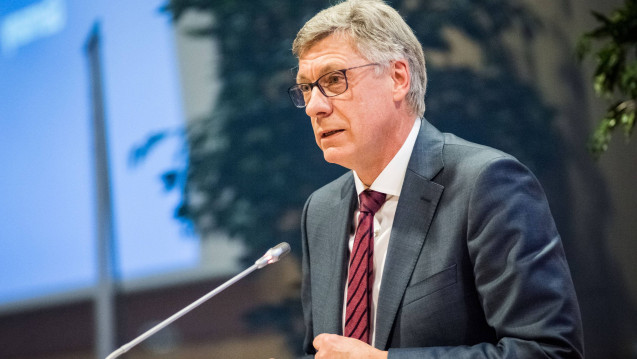 Der im BMG beamtete Staatssekretär Lutz Stroppe wird dem Vernahmen nach auch weiterhin Gesundheitspolitik machen. (Foto: Imago)