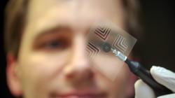 Spezialglashersteller Schott entwickelt unter anderem ultradünne Gläser. (Foto: dpa /picture alliance)
