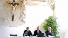 ABDA-Vize Mathias Arnold und ABDA-Präsident Friedemann Schmidt stellten in Düsseldorf den Apothekenklima-Index vor. (Foto: diz)