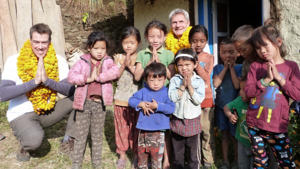 Apotheker ohne Grenzen helfen in Nepal