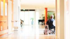 Ist der Heimversorgungsvertrag Ihrer Apotheke rechtssicher gestaltet? (Foto: Peter Atkins / stock.adobe.com)