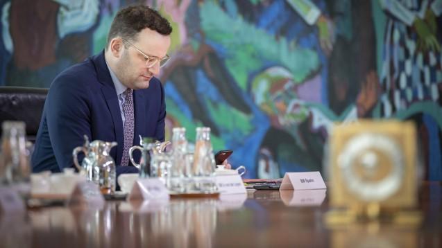 Bundesgesundheitsminister Jens Spahn (CDU) legt dem Bundeskabinett heute sein Patientendaten-Schutzgesetz (PDSG) vor. Darin enthalten ist die Abschaffung des Papierrezeptes. (Foto: imago images / photothek)