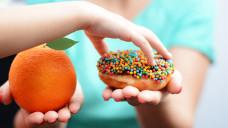 """Ist die """"Fettsucht"""" selbstverschuldet und """"nur"""" eine Diät nötig? (Foto: adrian_ilie825 /stock.adobe.com)"""