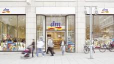 Die Zahl der dm-Filalen wächst beständig: Derzeit sind es 3.149 im In- und Ausland. (Foto: dm)