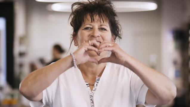 In einem PR-Video des Apothekerverbandes bedanken sich die Schweizer Apotheker bei der Bevölkerung. (Foto: Pharmasuisse)
