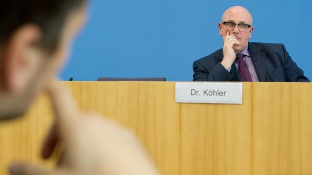 Der ehemalige Vorsitzende der Kassenärztlichen Bundesvereinigung, Andreas Köhler, auf einer Pressekonferenz. (Foto: dpa)