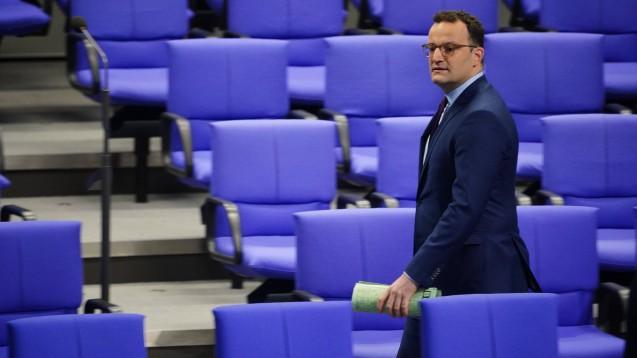 Es ist bemerkenswert, dass Jens Spahn (CDU) den aktuellen Zustand der unklaren Überwachung der EU-Versender akzeptiert, findet Dr. Christian Rotta, Geschäftsführer des Deutschen Apotheker Verlages. (s / Foto: imago images / Zeitz)