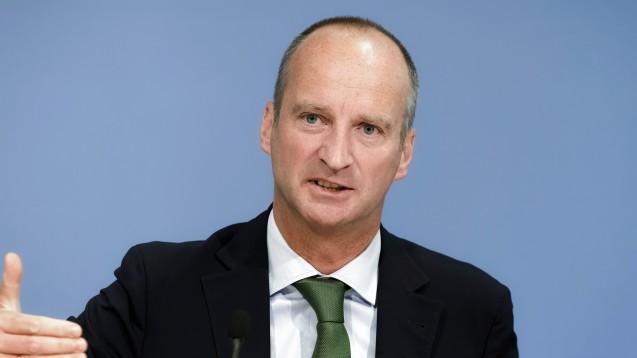 Bezüglich der FFP2-Masken für Risikopatienten ist noch etwas Geduld gefragt, sagt ABDA-Präsident Friedemann Schmidt. (Foto: imago images / Jürgen Heinrich)
