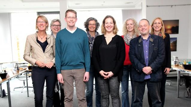 Schon im Jahr 2015 bildete die Apothekerkammer Westfalen-Lippe unter der Regie von Abteilungsleiterin Dr. Sylvia Prinz (r.) eigens Prüfer für die Fachsprachenprüfungen aus. (Foto: AKWL/Sokolowski)