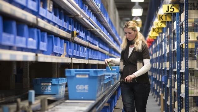 Der Großhändler Gehe hat sich auf Securpharm vorbereitet und unterstützt Apotheken nun mit einer Hotline. ( r / Foto: Gehe)