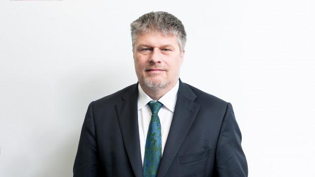 DAV-Vorstand Thomas Dittrich macht auf die Erleichterungen für Apotheker in Sachen Entlassrezept aufmerksam. (Foto: ABDA)