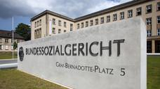 Bundessozialgericht: Das Spannungsverhältnis zwischen Apotheken und Sozialrecht ist Thema beim ApothekenRechtTag in Berlin. (Jörg Lantemeine / Fotolia)