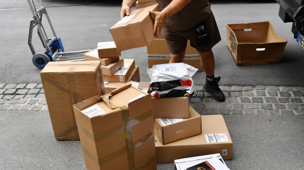 Bundestag beschließt Paketboten-Schutz-Gesetz
