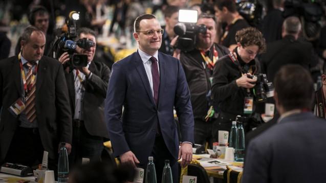 Bundesgesundheitsminister Jens Spahn (CDU) will sich noch nicht klar zu einer möglichen Kandidatur zum CDU-Parteivorsitz äußern, kann sich aber grundsätzlich vorstellen, Verantwortung zu übernehmen. (Foto: imago images / photothek)