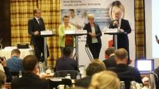 Ohne SPD diskutierten am heutigen Mittwoch in Düsseldorf Thomas Preis, Kathrin Vogler (Linke), Maria Klein-Schmeink (Grüne) und Georg Kippels (CDU) (v.l.n.r.) (Foto: Müller / AVNR)